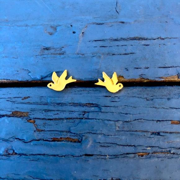 Gold Tone Bird Studs
